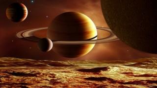 Misiuni robotizate spre o cometă şi spre un satelit natural al planetei Saturn