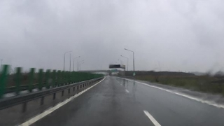 Nucleul ciclonic a sosit! Ploaie torențială, în București și pe Autostrada Soarelui