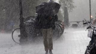 Se schimbă vremea! Vin ploile în aproape toată țara!