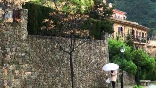 Atenție unde călătoriți! Coduri roşu şi portocaliu de precipitaţii în Spania!