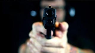 Se schimbă total legea armelor! Aproape orice român poate avea pistol