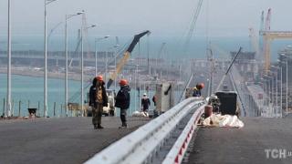 """Podul care leagă Crimeea de Rusia, """"o nouă încălcare a suveranităţii"""" Kievului"""