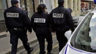 Patru islamişti arestaţi în Franţa, sub suspiciunea că pregăteau atacuri teroriste la Paris
