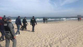 Peste 130 de kilograme de droguri găsite pe plajele românești în două zile