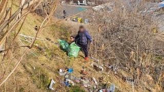 Constanța. Polițiștii locali continuă lupta cu cei care aruncă gunoiul pe domeniul public