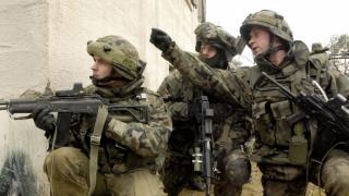 Polonia îşi instruieşte militar populaţia civilă