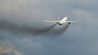 Nouă state europene cer UE taxă de poluare pentru avioane
