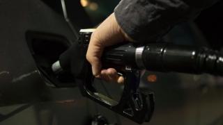 Preţul petrolului a crescut marţi cu 7%