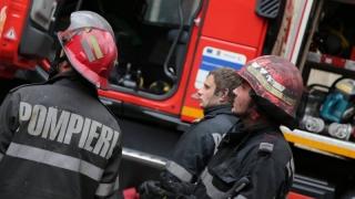 Trei persoane au avut nevoie de îngrijiri medicale în urma unui incendiu
