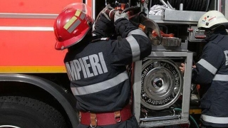 Pompierii, în alertă! Arde o casă în Medgidia!