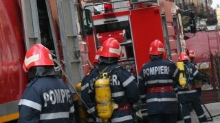 Panică într-un bloc din Arad, după ce dintr-un apartament ieşea fum