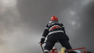 Treziți din somn de pompierii care au venit să stingă incendiul