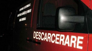 Grav accident în Constanța: victimă încarcerată și o mașină răsturnată!
