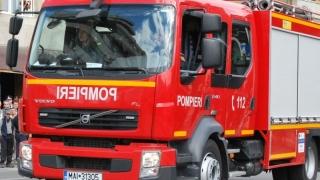 Pompierii constănțeni, în alertă! Un microbuz a luat foc!