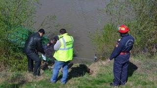 Tânărul de 17 ani căutat de scafandri în râul Jiu, găsit mort