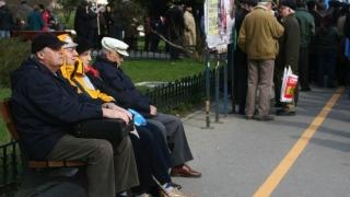 INS: Populația României, mai îmbătrânită