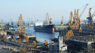 Portul Constanţa, închis! Cod galben de vânt puternic pentru trei judeţe