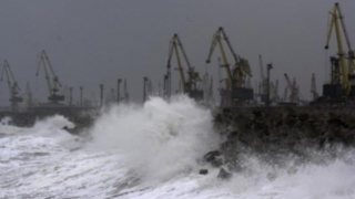 Manevrele în porturile de la Marea Neagră rămân suspendate