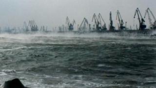 Porturile maritime şi fluviale din judeţul Constanţa sunt închise