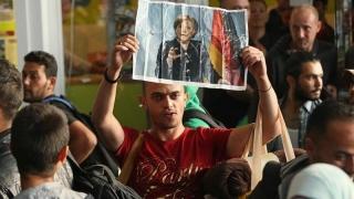 Poziţii şi opoziţii la problematica migranţilor. Merkel, la sfat cu liderii UE