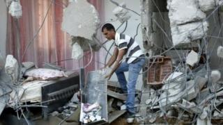 Un mort și 22 de răniți după prăbușirea unui bloc peste o cafenea