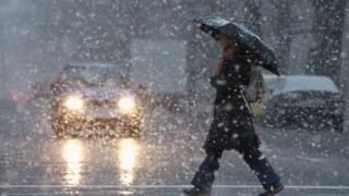 După căldură, precipitaţii şi vânt în toată ţara