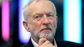 """Premierul May """"nu mai are sprijinul cabinetului său""""!"""