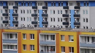 Scad prețurile locuințelor!