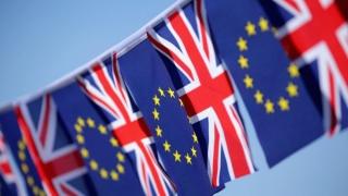 Prezenţa la referendum, afectată de ploile torenţiale din Marea Britanie