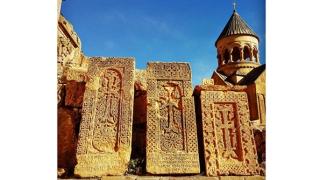 Hacikar - Crucea-monument, o minune încremenită în lavă, la Constanţa