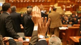 Prima zi a noii sesiuni legislative. Prima zi de scandal!