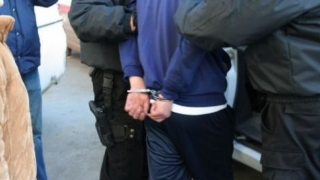 Și-a șantajat fosta iubită și a fost reținut de polițiști
