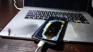 Problemele cu bateria reprezintă cauza incidentelor la Samsung Note 7