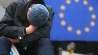 Viața-i prea scumpă pentru unul din trei români