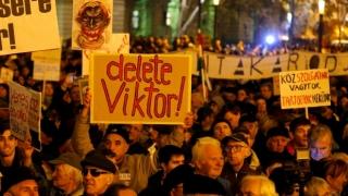 Mii de persoane au manifestat la Budapesta pentru libertatea presei