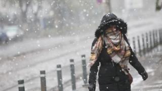 PROGNOZA METEO PE TREI LUNI: Când vin primele ninsori