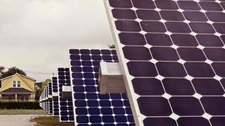 Micii producători își fac loc în ringul energetic