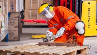 ProtectKronos îți pune la dispoziție o gamă completă de echipamente de protecție a muncii
