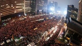 Sud-coreenii manifestează împotriva lui Donald Trump și în favoarea păcii