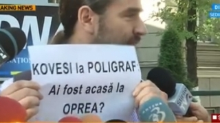 """Protest spontan la sediul DNA: """"Kovesi, la poligraf"""""""