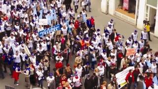 Sindicatele din învățământ, nemulțumite de legea salarizării, amenință cu proteste