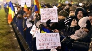 PROTEST LA COTROCENI, în fața porții preşedintelui Klaus Iohannis