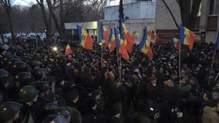 Noi proteste la Chișinău, pentru  alegeri parlamentare anticipate