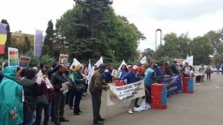 Sute de sindicaliști, în stradă la Constanța