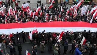 Proteste în Varșovia, pro și contra rămânerii în UE a Poloniei