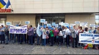 Sute de medici au protestat de Ziua Mondială a Sănătății