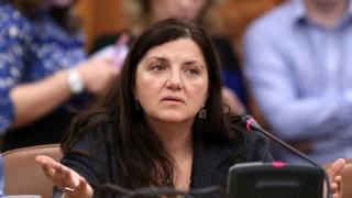 Ministrul Justiţiei, acuzat că încearcă să o favorizeze pe Monica Macovei
