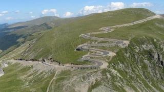 Putem circula pe cea mai frumoasă şosea din Europa! S-a redeschis Transalpina