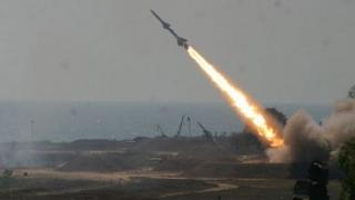 O rachetă lansată de rebeli spre Arabia Saudită a fost doborâtă