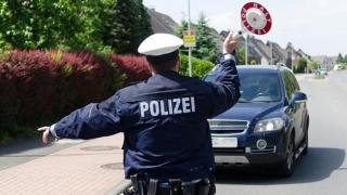 Microbuz cu români răsturnat în Austria. Persoane rănite grav